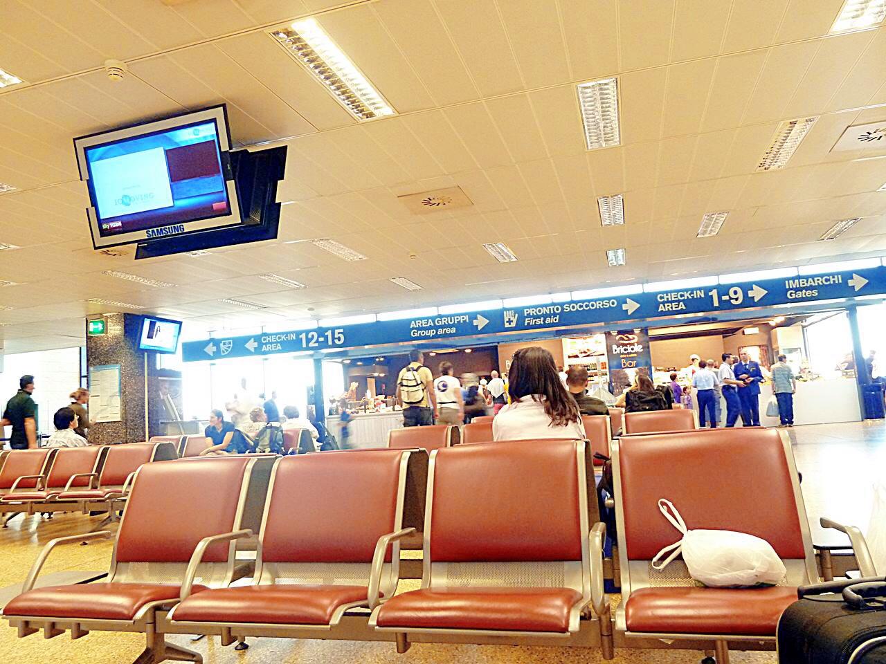 15 ข้อคิดในวันที่เดินวนเวียนอยู่ในสนามบินมิลาน-nile and sister